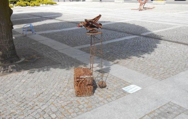 rzeźba ze złomu